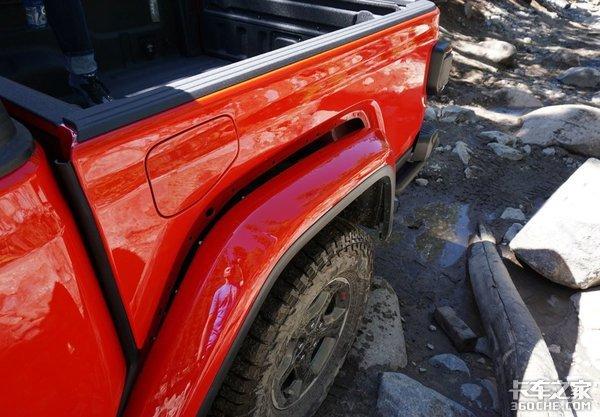 买牧马人觉得太贵?Jeep角斗士皮卡来了,顶配还不到30万