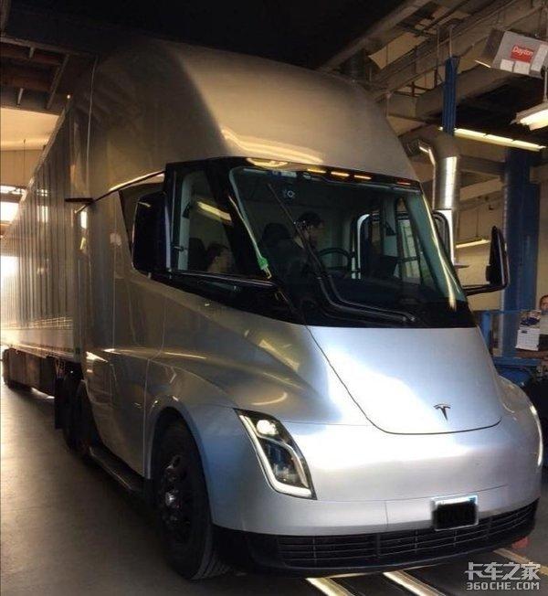 看看这些高科技卡车自动驾驶真不远了
