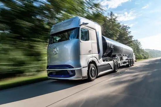 奔驰发布燃料电池概念卡车续航超1000公里预计2025年开始量产