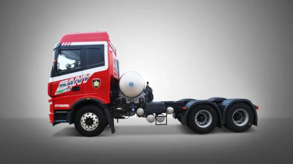 一组高清大图带你解读三一重卡首款国六燃气牵引车正义版400N!