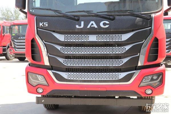 主打性价比的物流运输车辆420马力的格尔发K5W牵引车图解