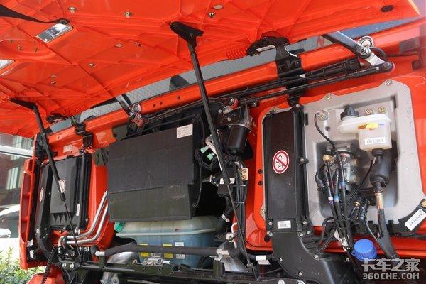 厉害了我的汕德卡G7牵引车四方位摄像头还有航空座椅享受