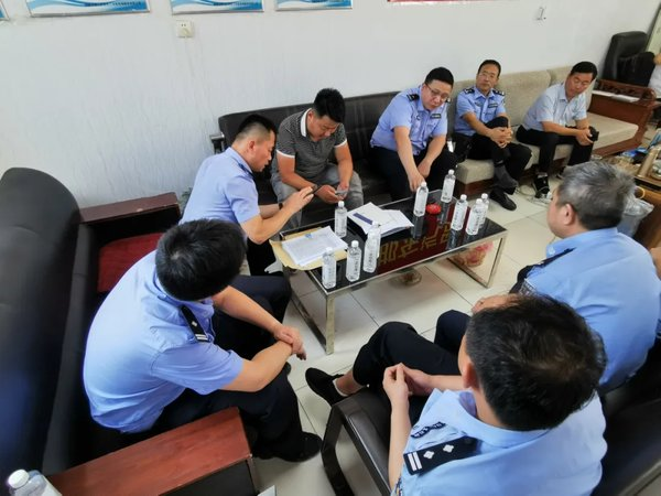 苏州:交警赴外地约谈高风险运输企业
