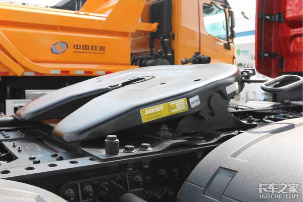 车型涵盖牵引电动和自卸北奔重卡携多款车型亮相北京车展