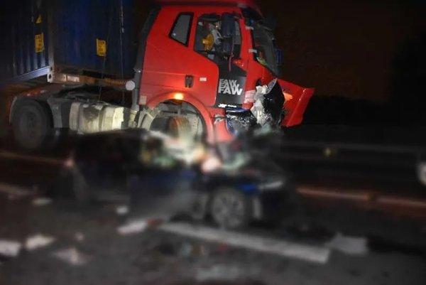 货车司机疲劳驾驶致2死!企业法人、安全责任人被采取强制措施