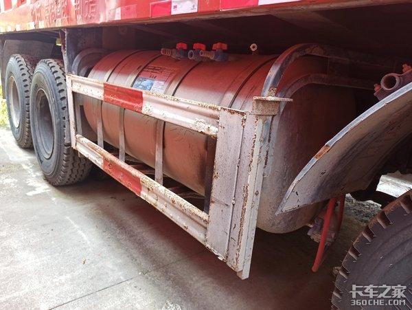 自重不到13吨,标载运输首选,实拍东风天锦8X4二手自卸车