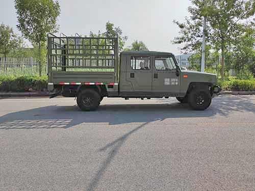 5米9车长能装1.4吨传承于军用品质北汽勇士推新载货车