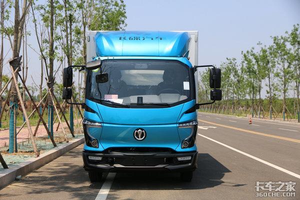 整车3年/20万公里超长质保加持颜帝外观猜猜这台飞碟W5卖多少钱?