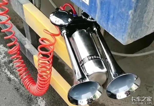 货车加装高音气喇叭成常态,事不大,安全隐患却不小