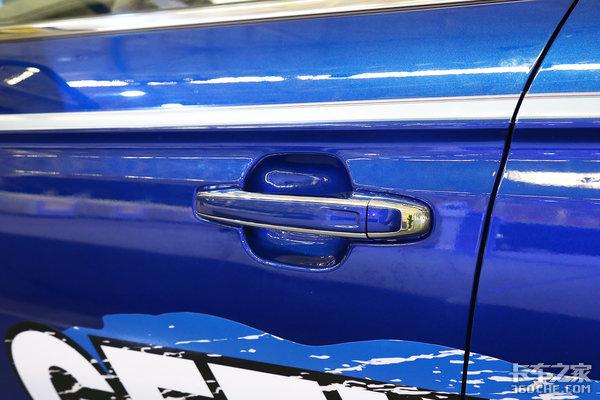 皮卡竟然用的轿车底盘?承载式车身后桥采用独立悬架体验吉利远程FX