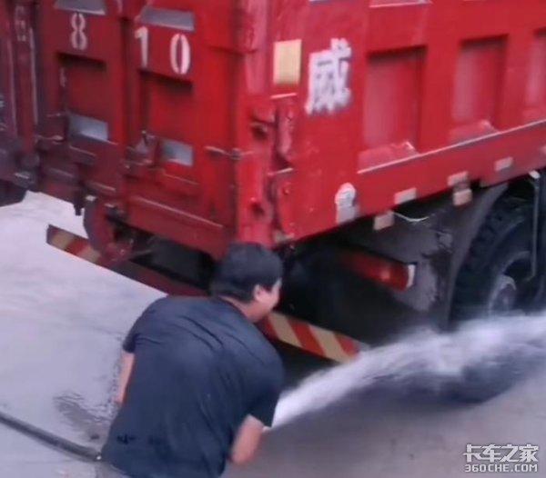 带你体验货车司机的酸甜苦辣,他们不要同情只想得到尊重
