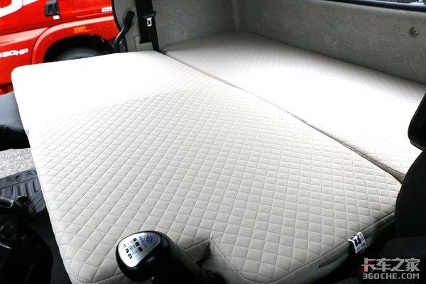 单卧可变双人床!6米8解放龙VH2.0图解