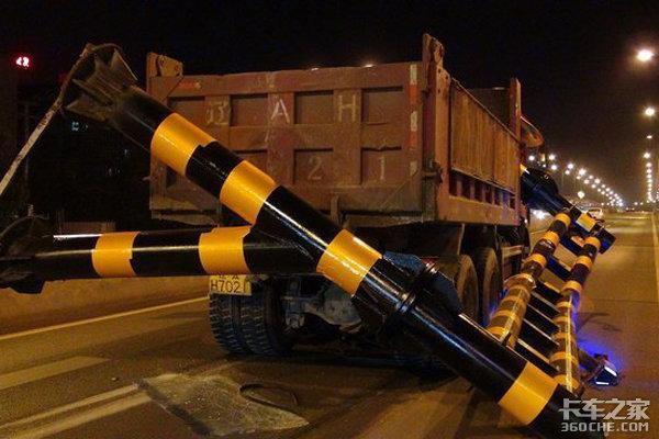 深挖限高杆的不合理之处,卡车司机受伤害后该如何维权?