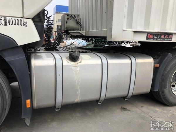 重汽T7HAMT牵引车配翼展货厢,堪称平原专线运输利器