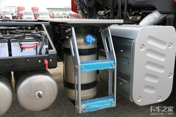 解放JH6轻装上阵!自重8.1吨配备1200L油箱令人心动!