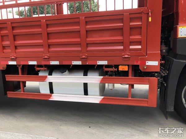 半高顶驾驶室可配多种货厢,中短途运输不妨看看解放JK6载货车