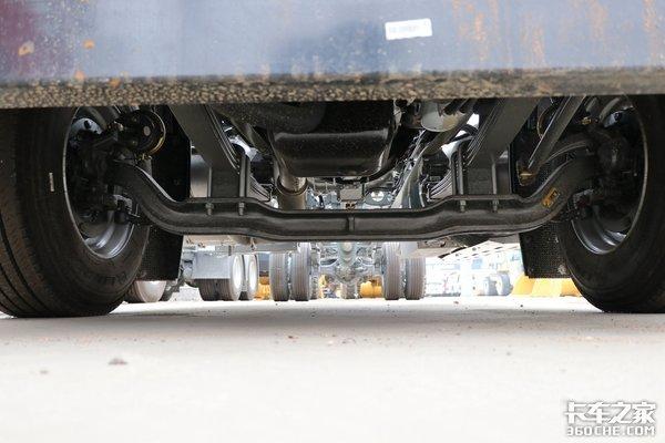 更低的运营成本!290马力重汽TX5燃气车图解拉快递不爽吗?