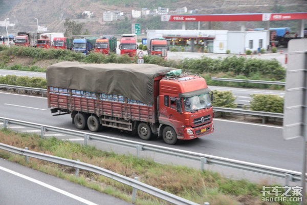 """严格执行""""一超四罚""""!佛山对4.5吨及以上货车进行整治"""
