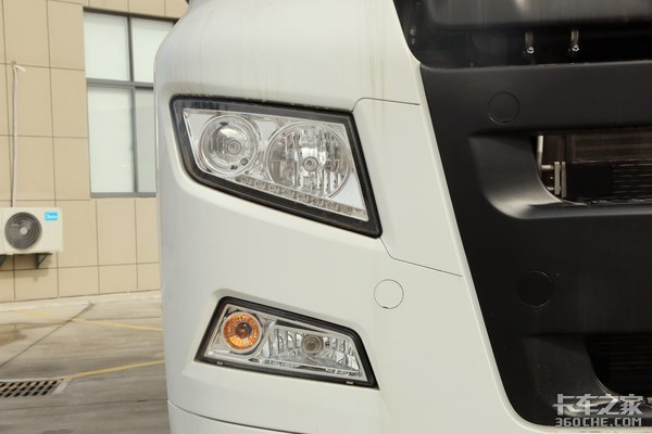 按轴收费后4×2牵引车火了高效智能下的物流运输车汕德卡G7图解
