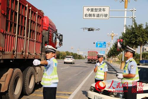 河北沧州符合条件道路全部实施'货车右行'将24小时抓拍取证