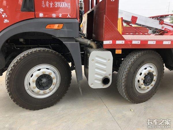 17吨承载量,解放悍V底盘改装,实拍挖掘机专用运输车