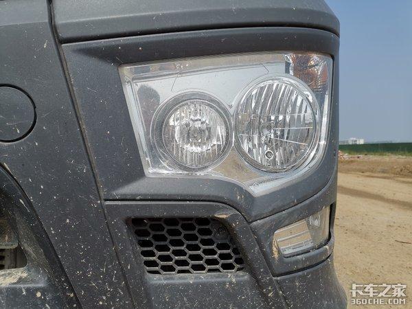 奔驰阿洛斯底盘+三一上装,这款混凝土泵送车不简单