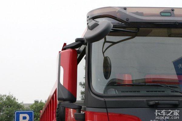 潍柴430的马力输出以及多片簧设计陕汽X3000重型自卸车售价47.4万