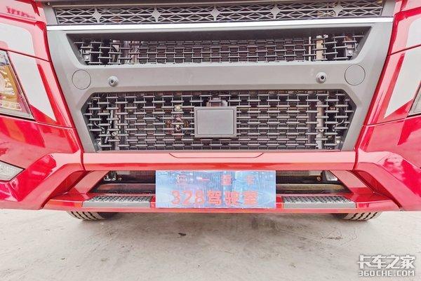 道依茨发动机并且配置液缓底盘内饰全面升级三一江山旗舰款新车亮相