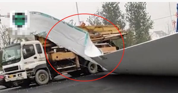 好几百万没了!泵车与货车碰撞巨型风电叶片被折弯