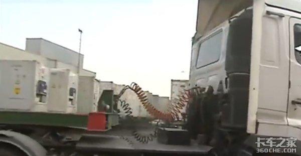 年过古稀也能考驾照,70岁的货车司机都在干什么?