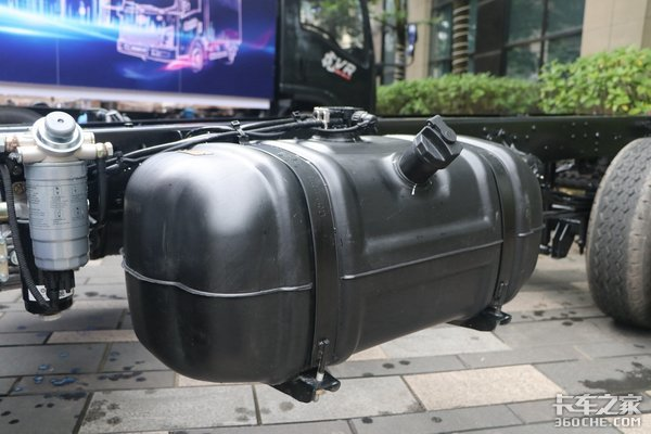 底盘自重不超2吨!解放轻卡虎VR图解