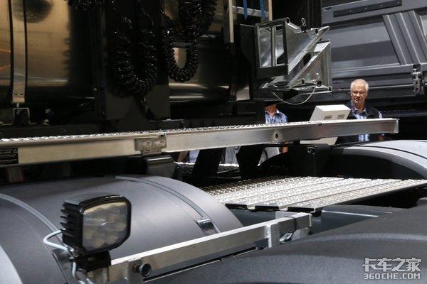 起步600马力最高750马力这些卡车怪兽专为大件运输而生!