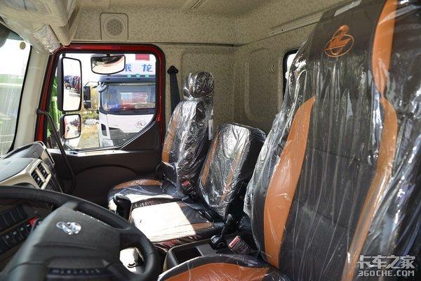 全新内饰皮座椅6x2柳汽新乘龙M3图解玉柴220马力舒适座舱