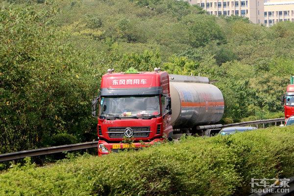 河南最新危险品车禁行规定:时速不超80