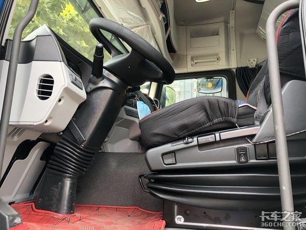 性价比最高的国产智能卡车,实拍福田欧曼GTL牵引车
