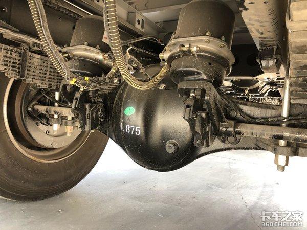 动力链可靠,适合重载运输,实拍北汽福田时代领航ES5中卡
