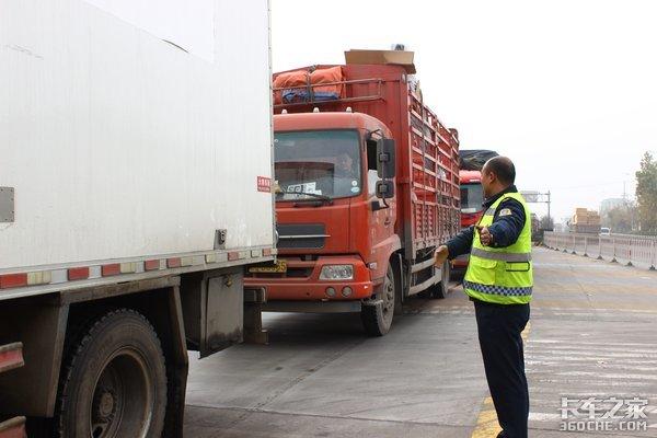 一代卡车人正老去货车司机有断层风险