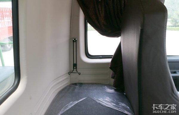 短轴距设计更灵活,拉货多不超载,福田欧曼ETX自卸车值得一看