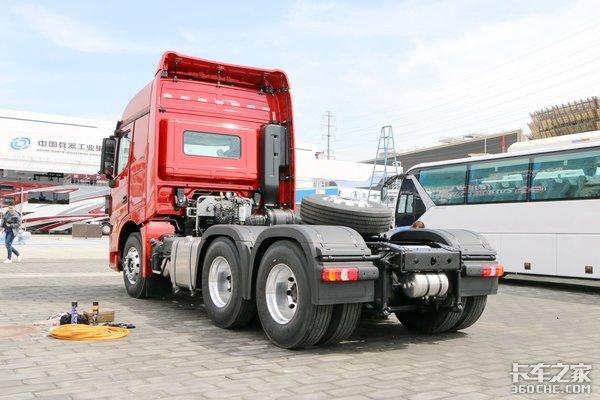 自重8.8吨560马力带AMT的V3ET快来盘它