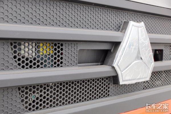 旗舰车型汕德卡G5畅行版售价21万元不止有双腔油箱那么简单