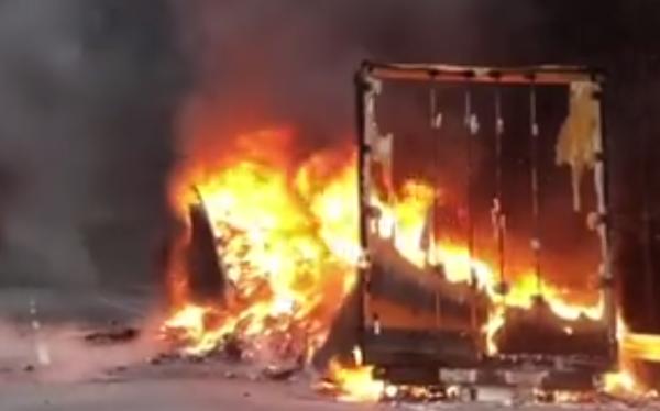 江西一货车自燃整车快递被烧毁司机一定要警惕这几个方面