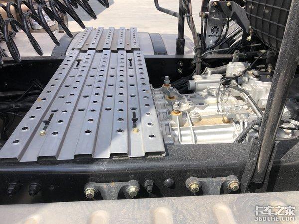 国六400马力解放JH6牵引车来了,搭载潍柴动力,性价比巨划算