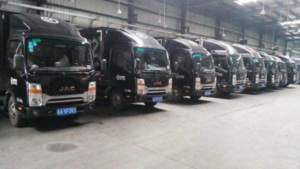 双11极速到货顺丰的1000台江淮轻卡已准时签收