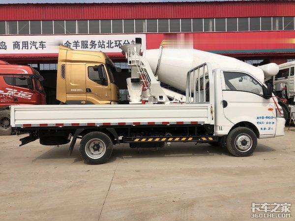 1.7吨载重比轻卡还能装,东风小霸王微卡,适合年轻创业者选购