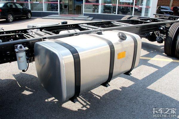 搭载国六福康动力与法士特8挡箱这款新大黄蜂可不仅仅是款6米8
