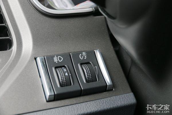 550马力配1000L双油箱解放J7AMT车型凭什么敢卖55.4万