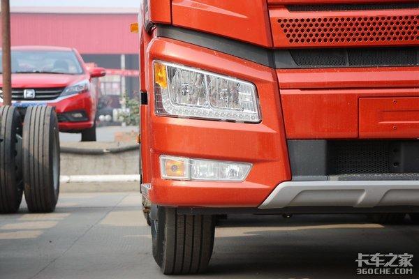 33万就能买手自一体AMT牵引车这款解放J6P是不是挺值!