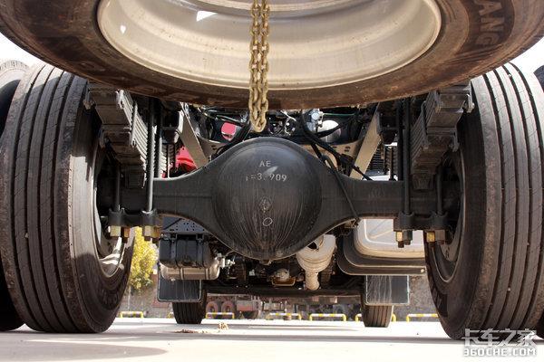高顶双卧6米8再加下铺双人床240马力匹配小速比乘龙H5夫妻车首选