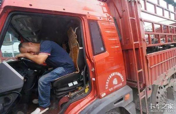 年轻人不开卡车,货车司机将出现职业断层,这不是花钱能解决的事