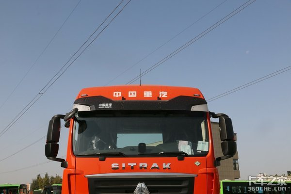 440马力LNG自动挡汕德卡G7牵引车图解